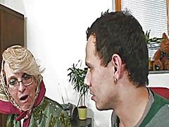 Tag: nenek, realiti, matang, matang.
