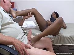 Žymės: masturbacija, fetišas, ji smauko, tarprasinis.