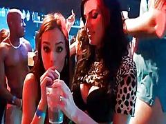 Tags: gribošie, meitene, ballīte, reāli video.