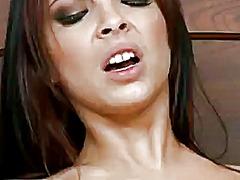 Oznake: bejba, prvoosebno snemanje seksa.